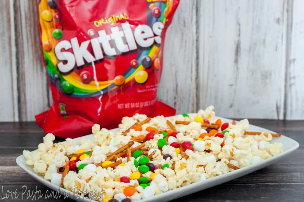 Skittles Popcorn Treat Mix- Love, Pasta and a Tool Belt #ad #SkittlesTourney | skittles | popcorn | desserts | recipes | food |
