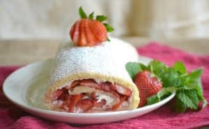 1strawberry-roll-2