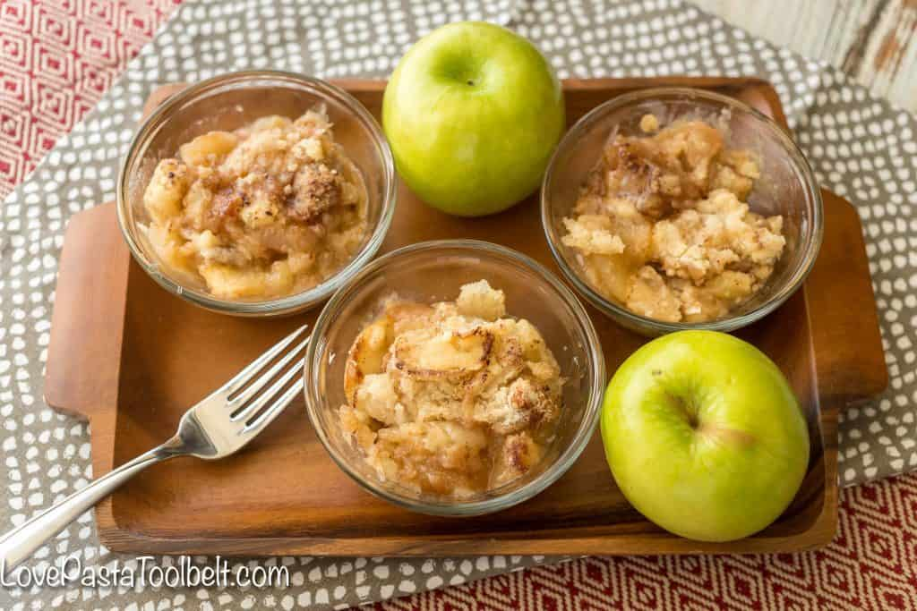 Pick up some fresh apples and whip up this delicious Apple Crumble for your next dessert!