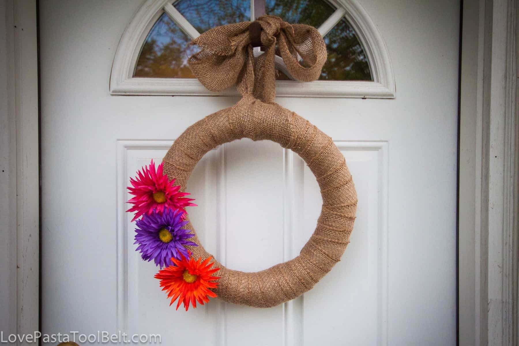 Diy burlap wreath love pasta and a tool belt for What to make with burlap