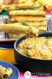 Cheesy-Taquito-Queso-Dip