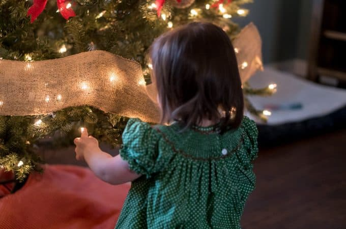 10-Christmas-Traditions-to-Start-with-Toddlers