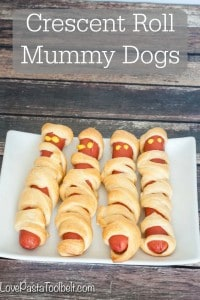 Make Halloween fun with these Crescent Roll Mummy Dogs!- Love, Pasta and a Tool Belt #ad | Halloween | recipes | fun food | food ideas |