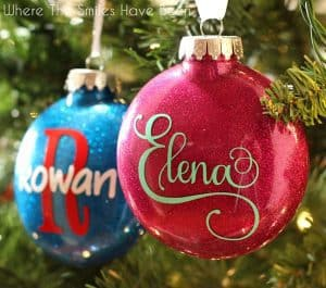 diy-personalized-glitter-ornaments-final-angled