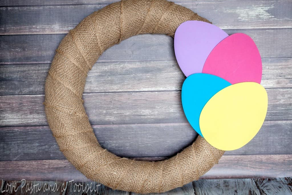 Easy Easter Wreath- Love, Pasta and a Tool Belt | Easter | Wreath | DIY | Crafts | Easter Wreath |