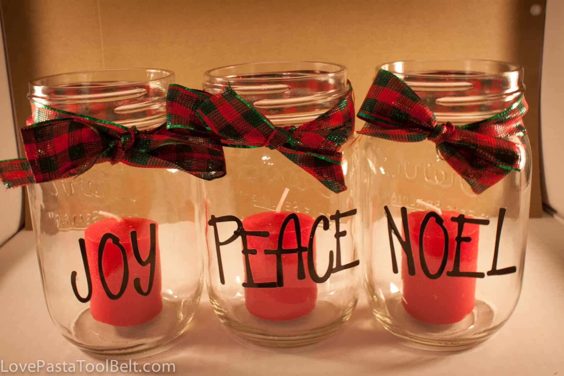 Mason Jar Christmas Candles - Love, Pasta, and a Tool Belt