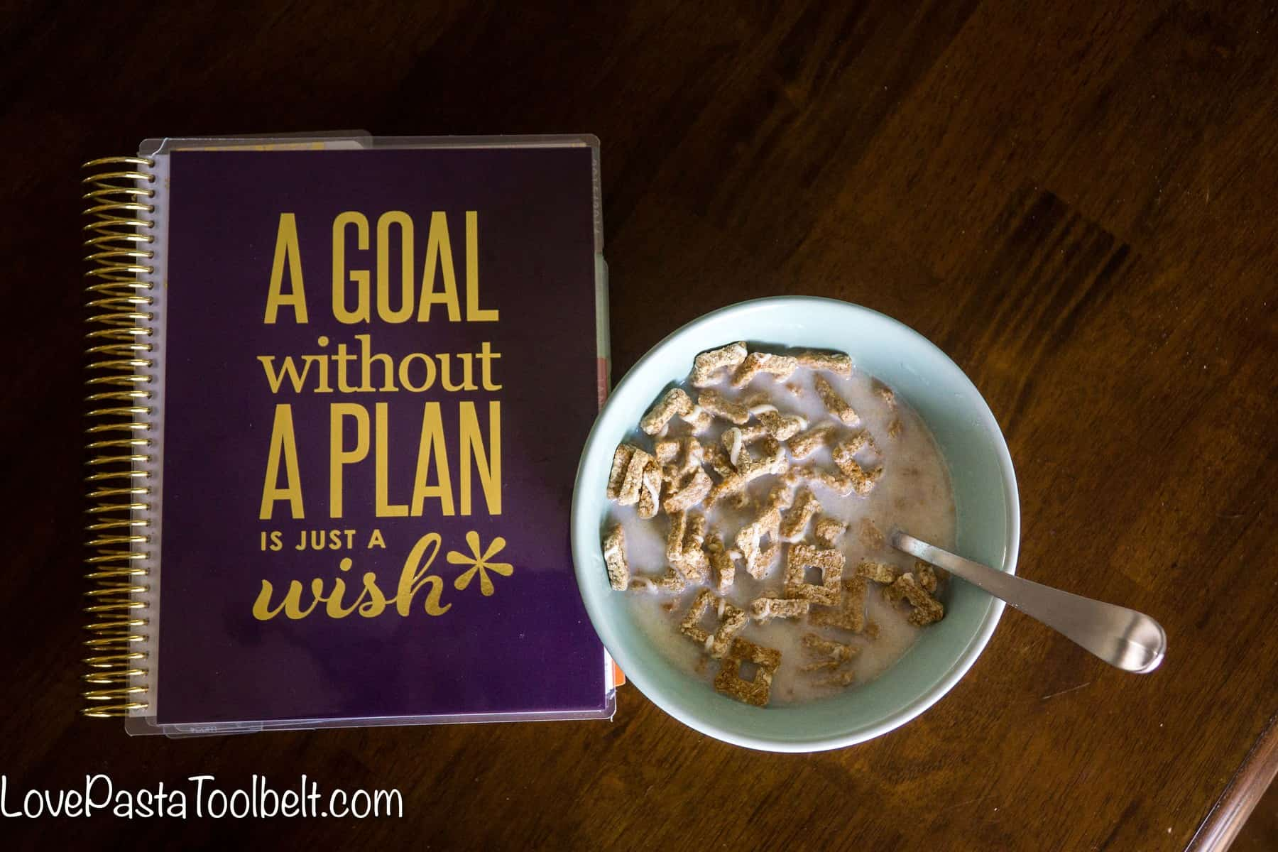 Start your morning off right with these Tips for a Productive Morning- Love, Pasta and a Tool Belt #NatureValleyCereal #ad | productivity | organization | work |