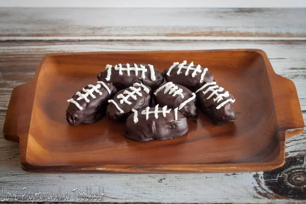 OREO Cookie Ball Footballs- Love, Pasta and a Tool Belt  #ad #OREOCookieBalls