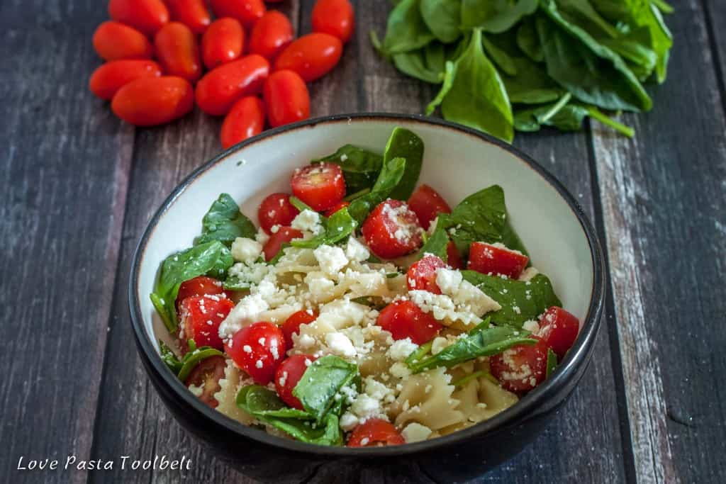 Spinach and Tomato Pasta Salad is a great summer recipe- Love, Pasta and a Tool Belt   recipes   pasta salad   dinner   lunch  