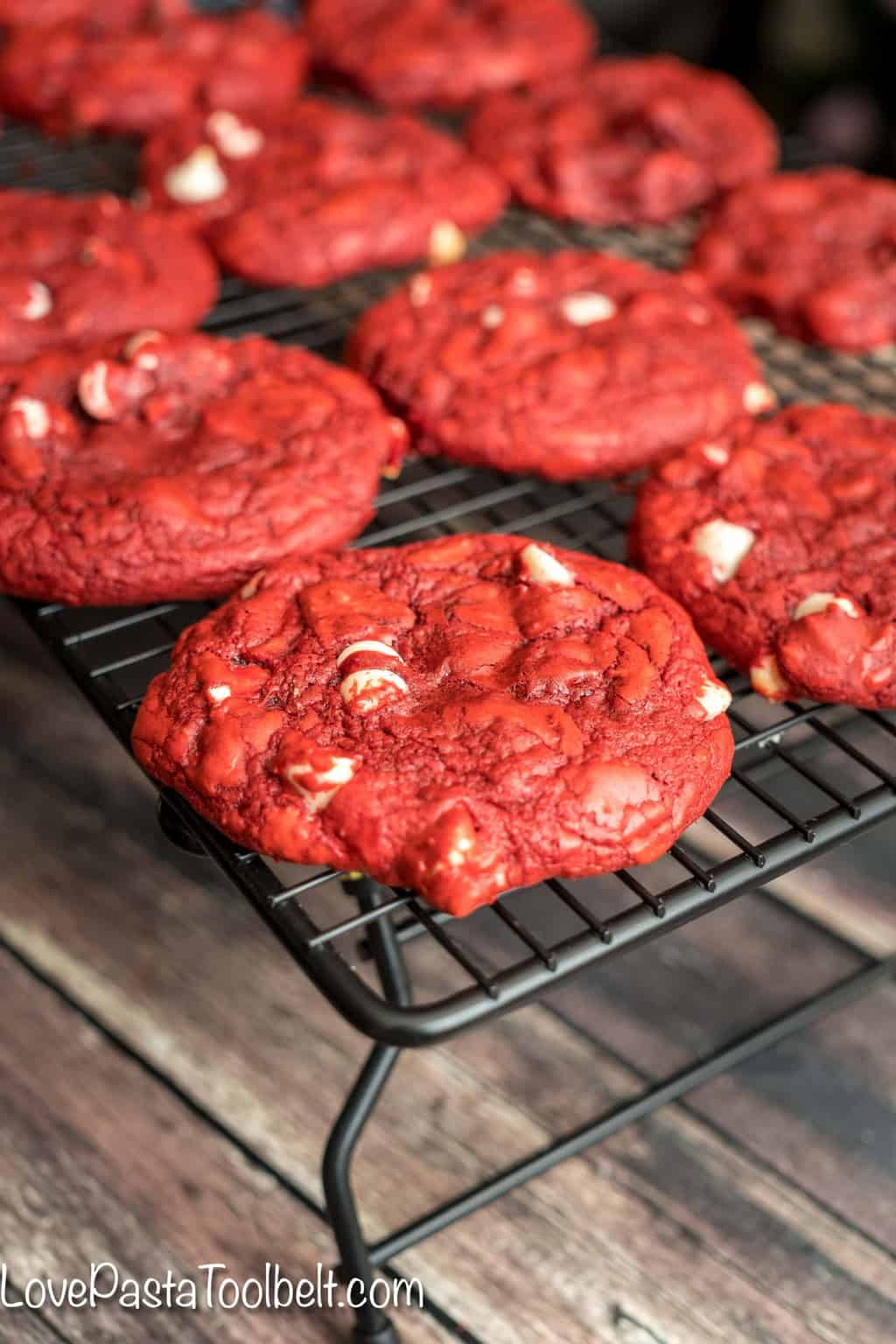 Different ways to make love -  Make Two Different Ways Red Velvet Cookies2