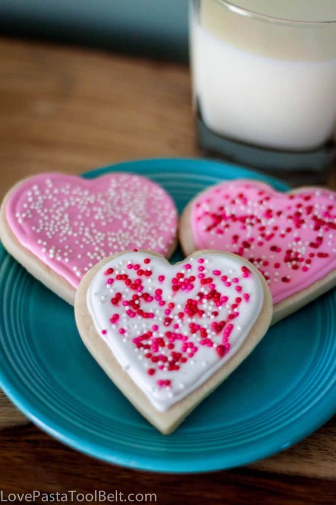 Royal Icing Valentine's Cookies are the perfect Valentine's Day treat- Love, Pasta and a Tool Belt | desserts | dessert recipes | cookies | cookie recipes | food | sweets |