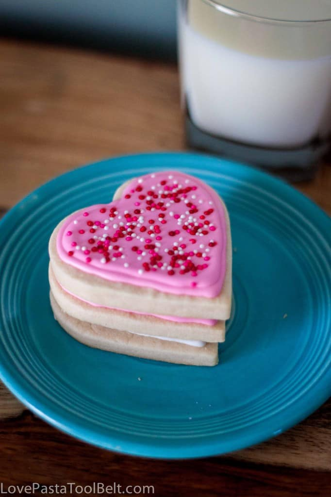 Royal Icing Valentines Cookies-5