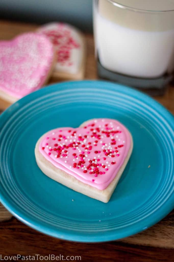 Royal Icing Valentines Cookies-6