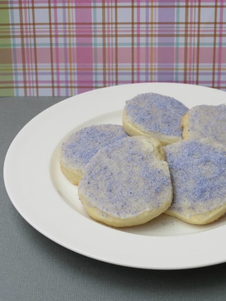 My guest poster Kristen is sharing her recipe for Simple Sugar Cookies- Love, Pasta and a Tool Belt | cookies | dessert | recipes | desserts | sweets |