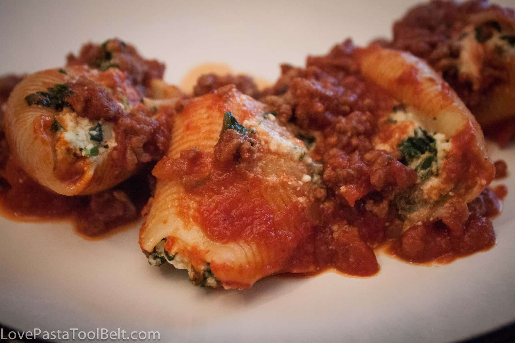 Spinach Ricotta Stuffed ShellsLove, Pasta, and a Tool Belt