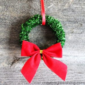 mini-christmas-wreath-ornaments