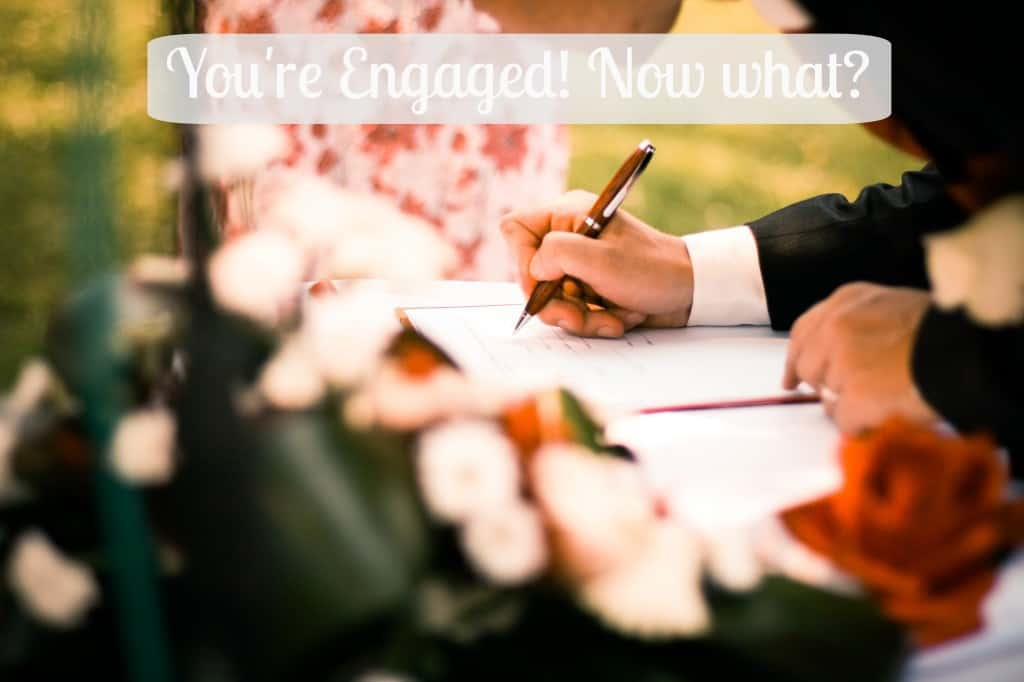 You're Engaged! Now what? A guide to how to start planning your wedding. These 5 steps will get your wedding planning off to a great start! | wedding | engaged | wedding planning |